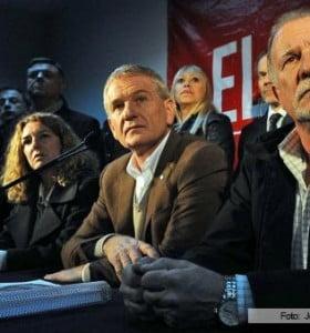 """De Narváez ratificó su candidatura y negó estar """"en carrera presidencial"""""""