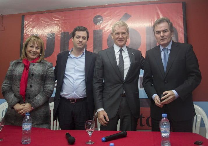 Martín Salaberry con ventaja en los primeros recuentos
