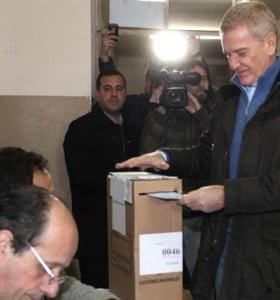 """De Narváez votó en Luján y vaticinó """"una elección muy tranquila"""""""