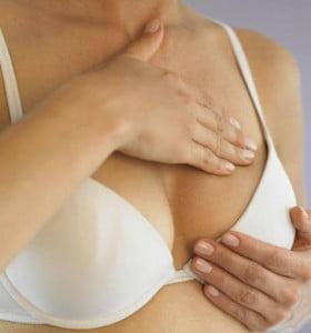 Alcohol sube el riesgo de cáncer de mama antes del primer embarazo