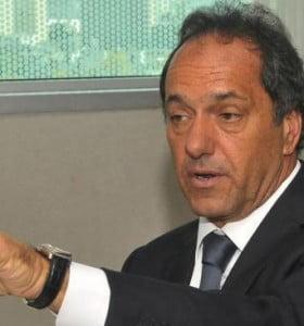 """Scioli: """"Proyectamos 6 mil policías más por año"""""""