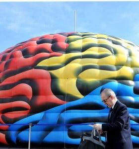 Un cerebro gigante en el Obelisco fue un alerta en el Día Mundial del ACV