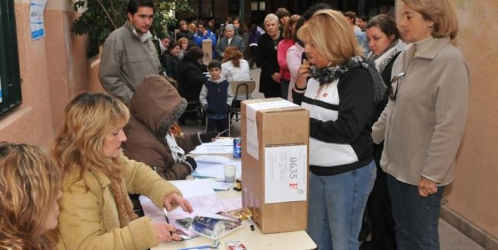 Más de 30 millones de argentinos votan para renovar el Congreso