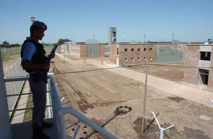 Avanza la ley de equiparaci n salarial para los penitenciarios for Ley penitenciaria