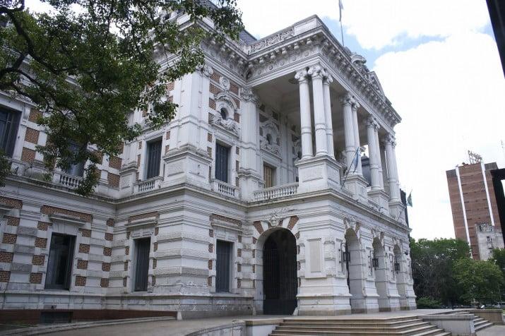 Provincia: Adelantan pago del aguinaldo para estatales y jubilados