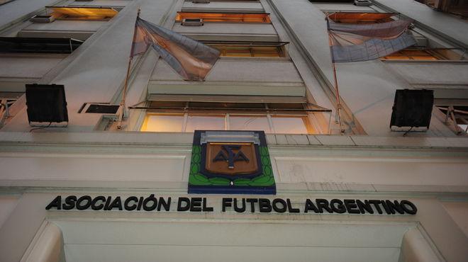 La AFA confirmó la prórroga de la definición del Torneo Inicial