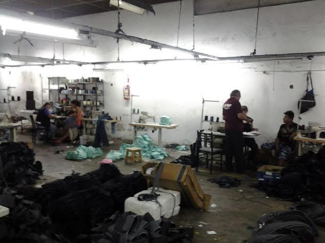 Tras una inspección de la AFIP rescatan a 11 trabajadores encerrados en un taller textil y detienen al encargado
