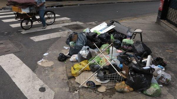 Provincia: Hipermercados, shoppings y hoteles deberán separar residuos