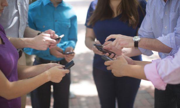 La Asociación de Consumidores Responsables intima a las telefónicas