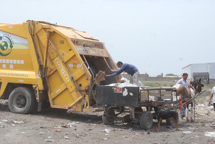 Operativo de descacharrización y limpieza de espacios comunes en Puertas del Sur