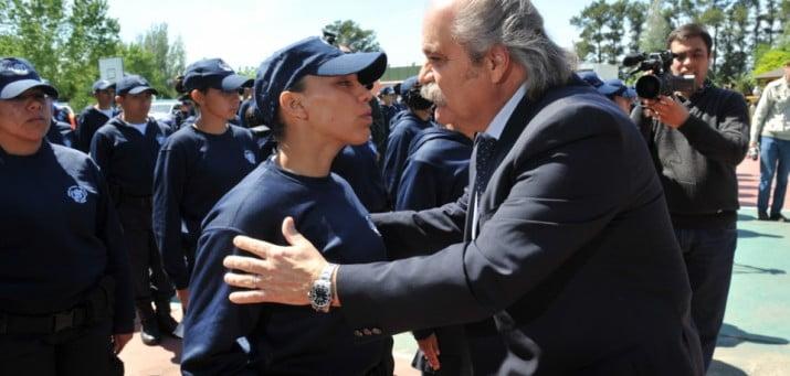 Mejoras salariales a la Bonaerense en medio de reclamos policiales