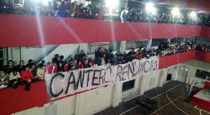 Independiente: aprobaron un pasivo récord en una escandalosa asamblea