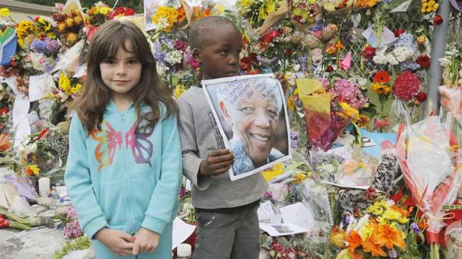 El féretro con los restos de Nelson Mandela recorrerá las calles de Pretoria