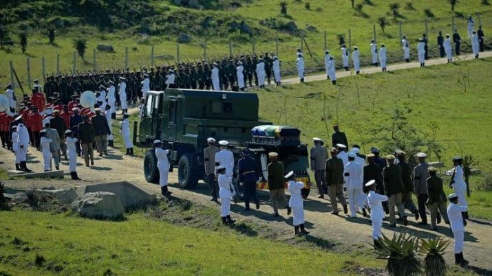 Sudáfrica le da el último adiós a Nelson Mandela
