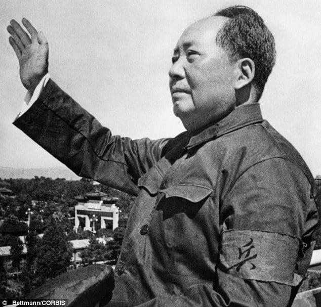 China conmemora el aniversario de Mao, figura que divide al país