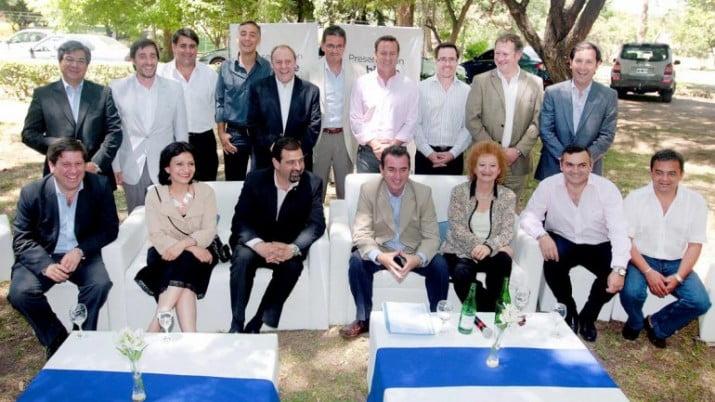 El gobernador de Mendoza pidió la renuncia de todo su gabinete