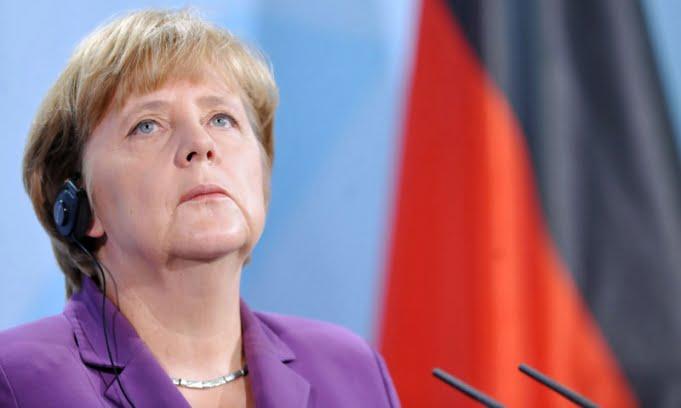Merkel fue investida canciller de Alemania para un tercer periodo