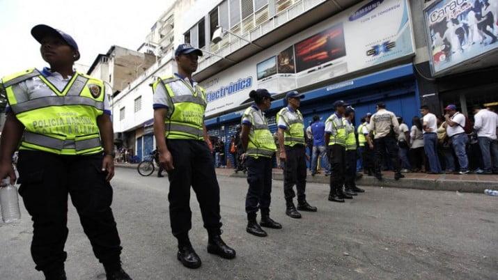 """Venezuela:multas por u$s58 millones a comerciantes acusados de """"especuladores"""""""