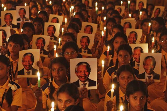 Sudáfrica despide con dolor y sin lágrimas a su héroe nacional