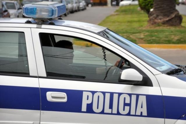 Madrugada violenta: un taxista recibió un hachazo en la cara
