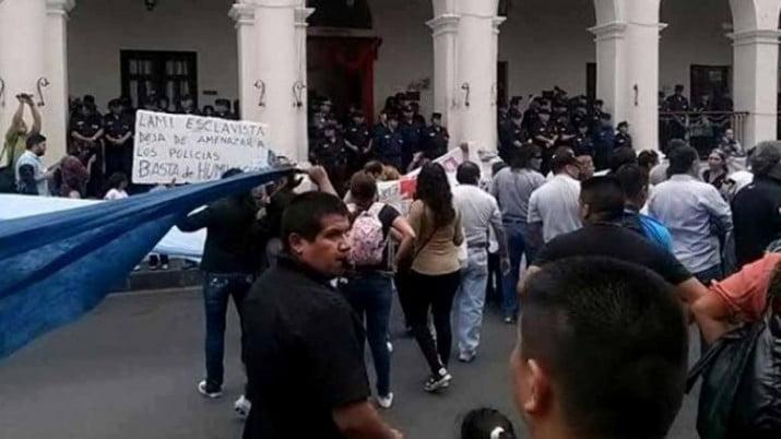 Salta: se acuarteló la policía, intervino la Gendarmería para evitar saqueos y robos