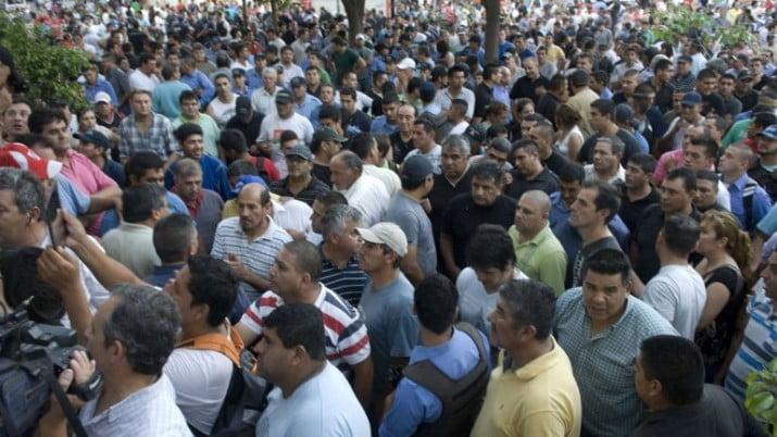 Continúan las negociaciones para desactivar las protestas policiales