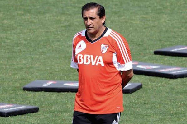 Ramón volvió a dejar afuera a Mora, Bottinelli y Fabbro