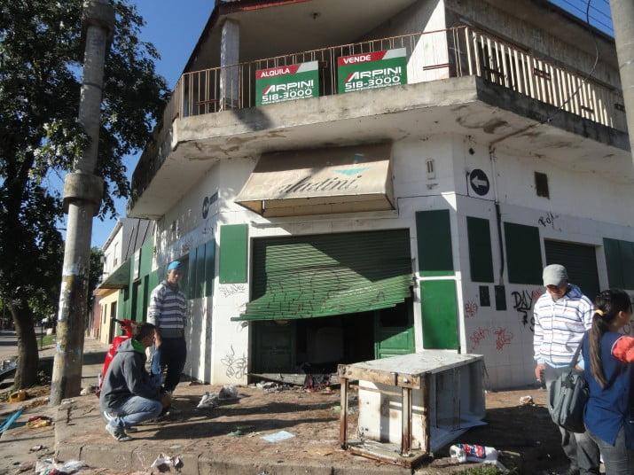 Córdoba: sin policías, 10 supermercados cierran para evitar saqueos