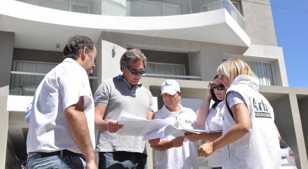 ARBA: En Monte Hermoso 300 casas y dos edificios estaban declarados como baldíos