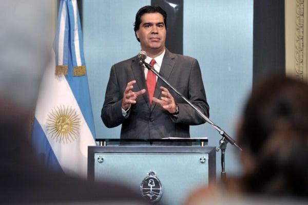 """""""No es una devaluación inducida por el Estado"""", dijo Capitanich tras el salto del dólar oficial"""