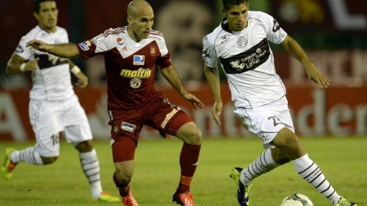 Lanús derrotó al Caracas en su debut en la Copa Libertadores