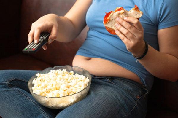 Mujeres: afirman que sedentarismo aumenta riesgo de cáncer