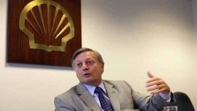 La suba del dólar fue impulsada por la oferta de compra de Shell