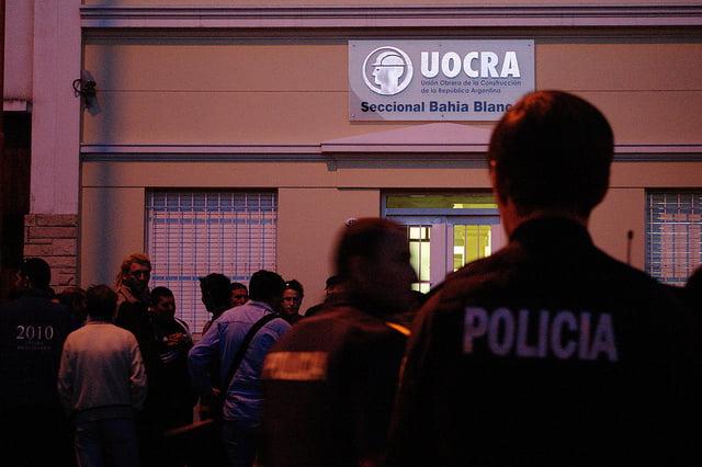 Uocra: Enfrentamientos, disparos y tres heridos y varios detenidos