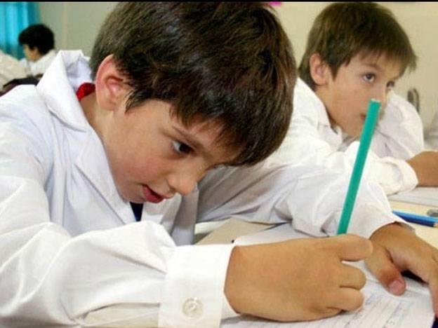 Oficializan la suba de 170 a 510 pesos en la asignación escolar por hijo