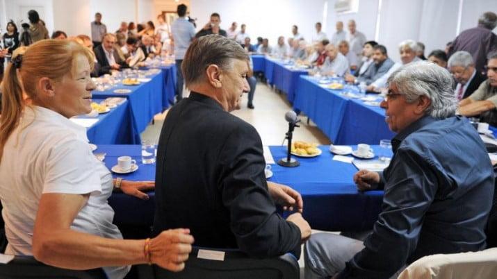 """Moyano apoya paritaria anual pero advierte: """"Nadie nos pone topes"""""""
