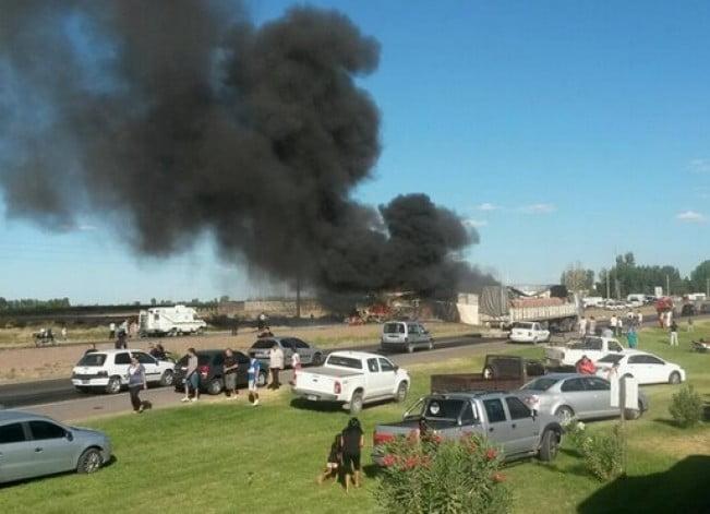 Un camión que iba a contramano provocó una tragedia en Mendoza: ya son 17 los muertos