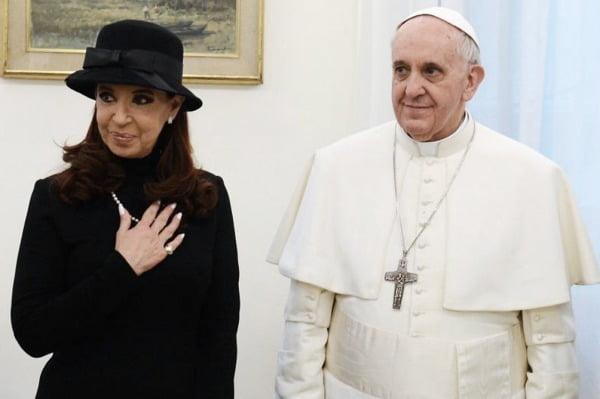 Cristina ya está reunida con el Papa en el Vaticano