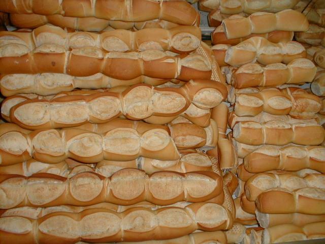 A partir del viernes, el kilo de pan se conseguirá a 18 pesos