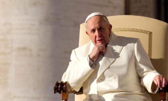 A días de recibir a la reina Isabel II, el Papa respaldó el diálogo por Malvinas