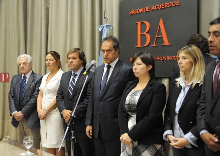 Scioli acusó a los docentes de agredir a Batakis y judicializó la paritaria