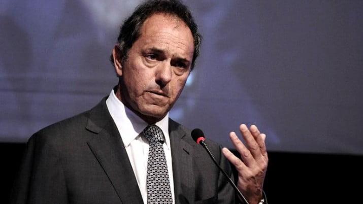 """Scioli: """"Con experiencia, firmeza y prudencia solucionamos el conflicto"""""""