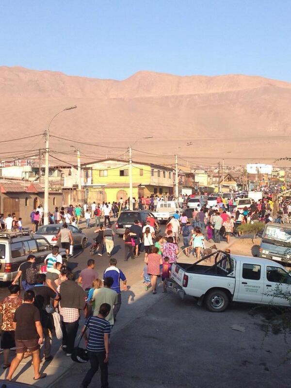 Fuerte sismo sacude al norte de Chile y evacuan la zona