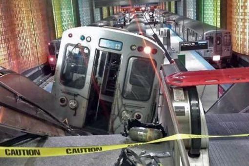 Treinta heridos al descarrilar un tren en el aeropuerto de Chicago