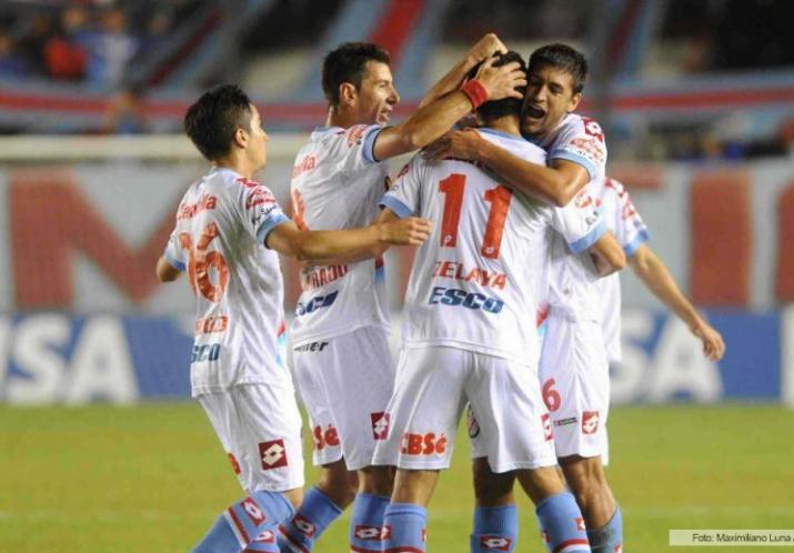 Arsenal goleó al Santos Laguna, en un duelo de clasificados