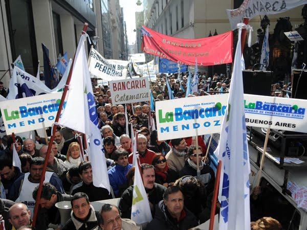 Comercio y la Asociación Bancaria acordaron un aumento del 29 por ciento