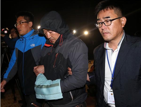 Tragedia del ferry: detuvieron al capitán y se mató sobreviviente