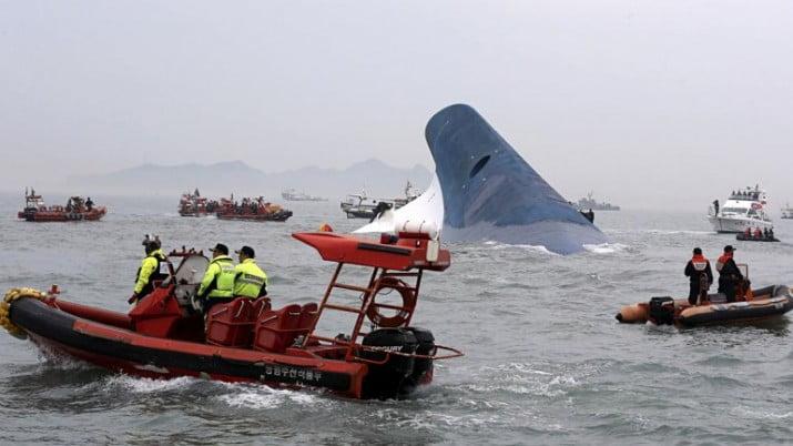 Ya suman 150 los muertos por el naufragio del ferry en Corea del Sur
