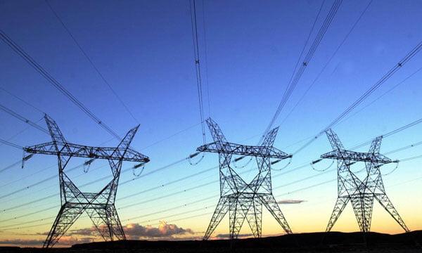 """Gobierno confirma un plan para """"nivelar"""" tarifas eléctricas en todo el país"""