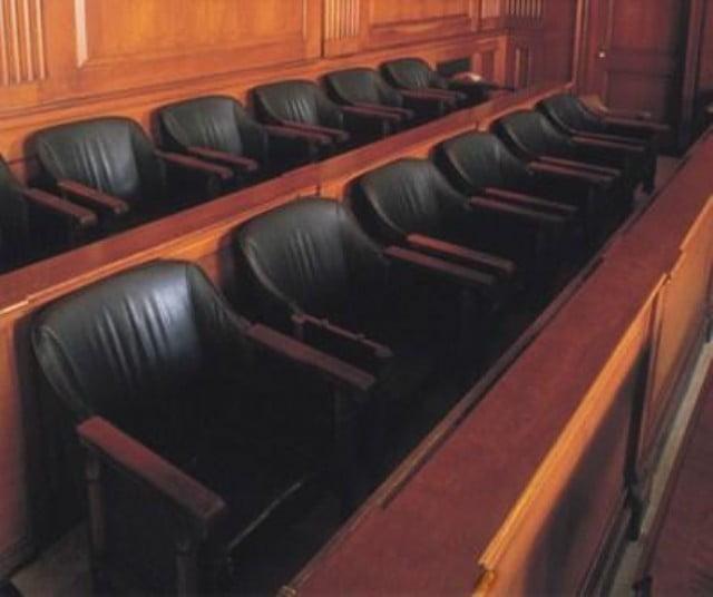 Modifican la ley de juicio por jurados